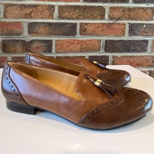 Naturalizer Two-Tone Tassel Loafers Size 6.5